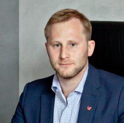 Евгений Ростов